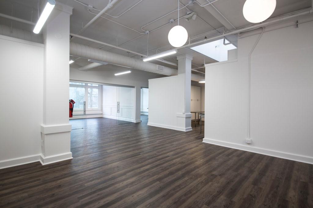 Empty M Agency office spa e